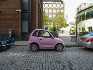 Small Car Big City: Electric microcar in London